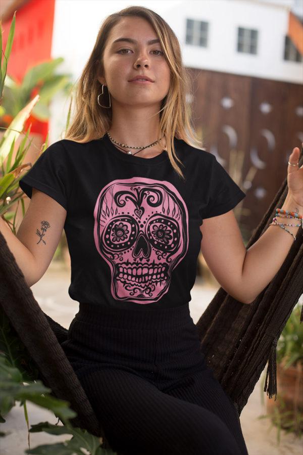 Tee-shirt femme Tête de mort rose sur t-shirt noir